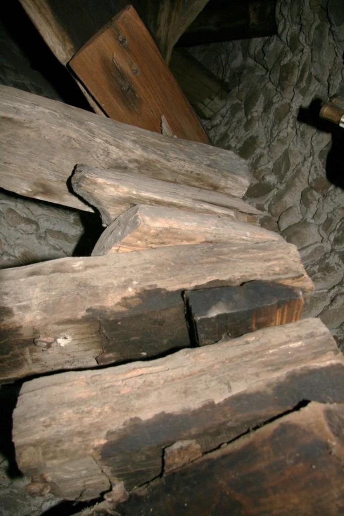 Scara din turnulețul adosat fațadei de nord